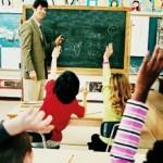 """Il complesso ruolo del professore postmoderno. Strategie per l'istruzione """"mediata"""" a scuola"""