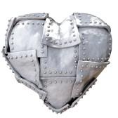 9183277-immagine-del-cuore-di-ferro-su-sfondo-bianco