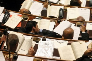 parlamentari-che-dormono-05