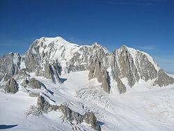 Il Monte Bianco con a destra il Monte Maudit ed il Mont Blanc du Tacul.
